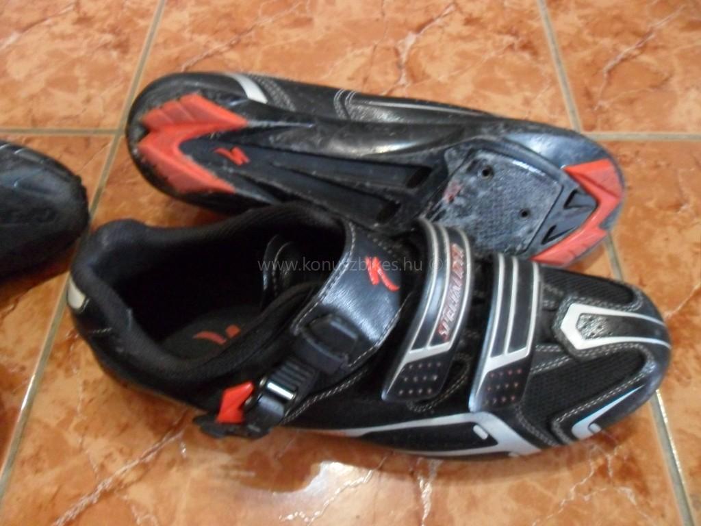 Konuszbikes Specialized országúti cipő, használt újszerű !